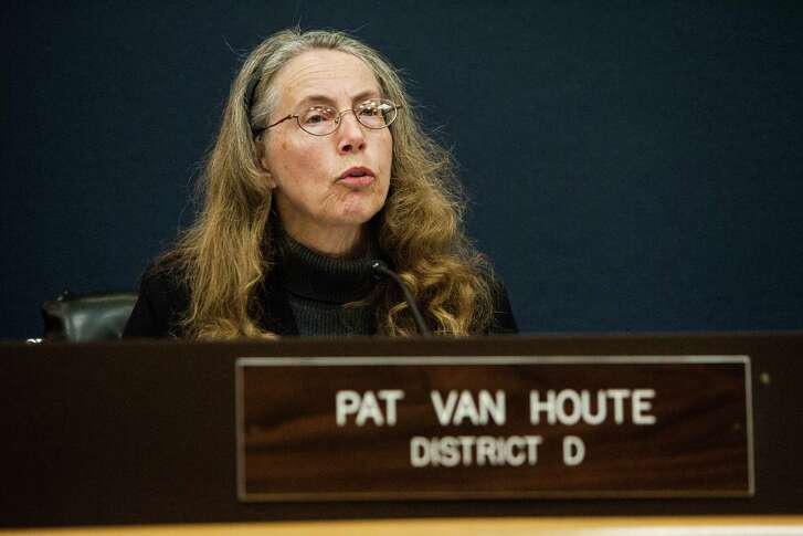 Pat Van Houte, in this 2014 photo, addresses the crowd during a city council meeting in Pasadena. (Michael Starghill Jr.)