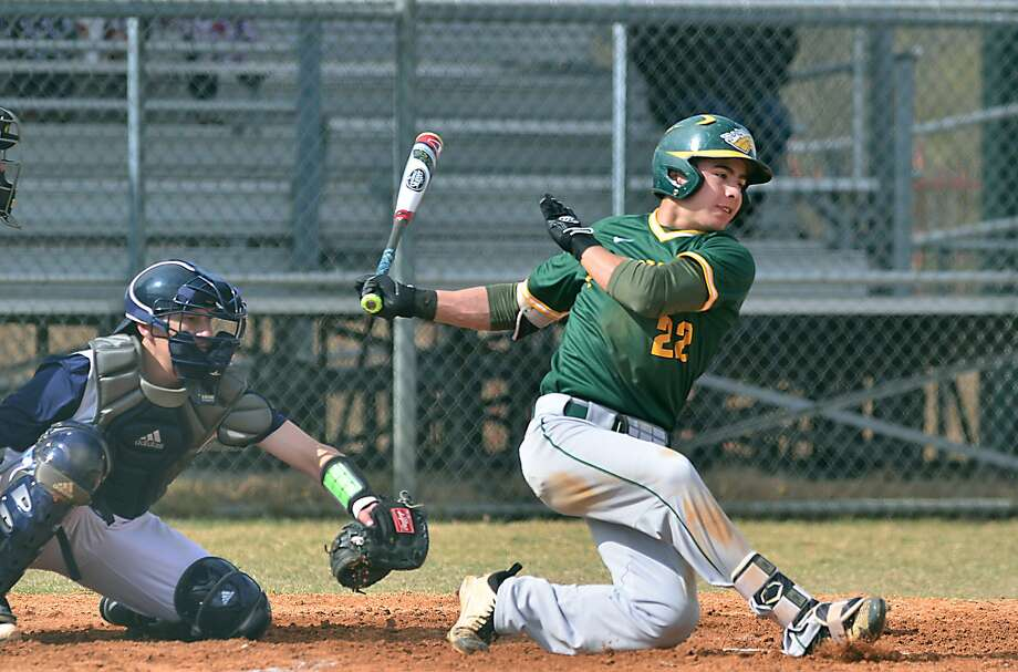 Shortstop Nick Galaviz had two hits Friday as LCC lost 2-0 and 10-0 in a doubleheader at Wharton County Junior College. The Palominos have only one run in their last 45 innings, getting shut out in five of their previous six games. Photo: Cuate Santos /Laredo Morning Times File / Laredo Morning Times