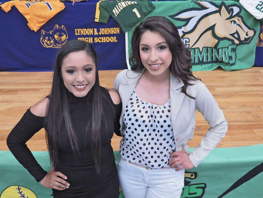 LBJ's Tania Castro and Scheccid Garcia signed their letters of intent Friday to play softball for Laredo Community College next year. In 24 games for the Lady Wolves, Castro hit .448 in 24 games with 17 runs and 12 RBIs while Garcia hit .406 with 16 RBIs and 11 runs scored. Photo: Cuate Santos /Laredo Morning Times / Laredo Morning Times