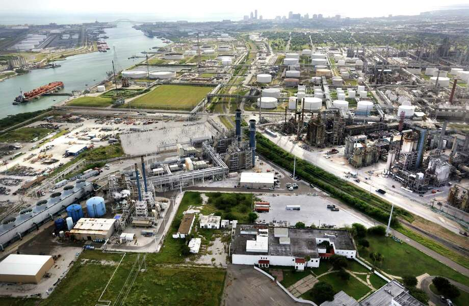 Refineries in Corpus Christi, TX with Port Corpus Christi at left,  Monday, Oct. 28, 2013. Photo: Bob Owen, Staff / ©2013 San Antonio Express-News