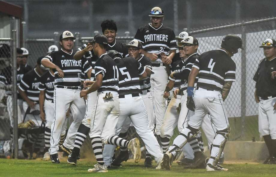 United South held on late Friday at the SAC beating Alexander 9-8 to clinch a playoff spot. Photo: Danny Zaragoza /Laredo Morning Times / Laredo Morning Times