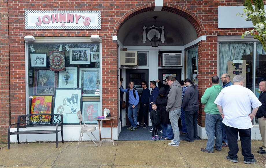 As vinyl records are making a comeback in the music industry, independent record stores are taking advantage of the popularity with events such as Record Store Day. Click through to see a list of some of the best record stores in Connecticut... Photo: Matthew Brown, Hearst Connecticut Media / Stamford Advocate