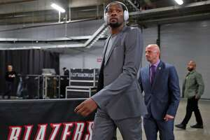 Golden State Warriors' Kevin Durant arrives before Warriors play Portland Trail Blazers in Game 3 of NBA Western Conference 1st Round Playoffs at Moda Center in Portland, Oregon on Saturday, April 22, 2017.