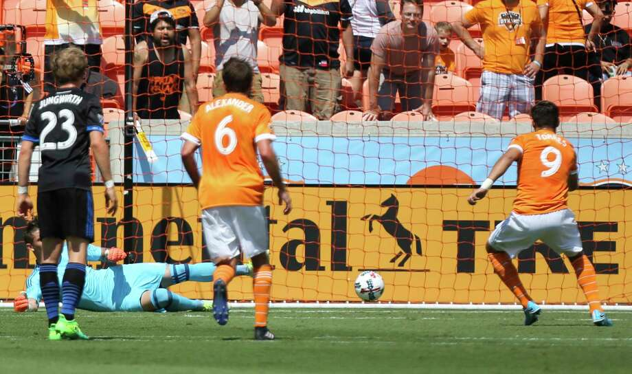 Dynamo forward Erick Torres, right, scored on a penalty kick during the first half of an April 22nd victory over the San Jose Earthquakes. Photo: Yi-Chin Lee, Staff / © 2017  Houston Chronicle
