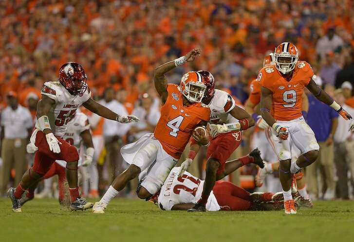 CLEMSON, SC - OCTOBER 01:  Deshaun Watson #4 of the Clemson Tigers in action against the Louisville Cardinals during the game at Memorial Stadium on October 1, 2016 in Clemson, South Carolina.  (Photo by Grant Halverson/Getty Images)