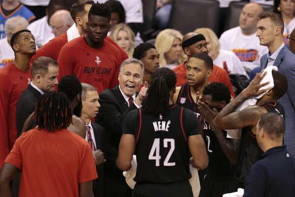 Houston Rockets head coach Mike D'Antoni huddles his team during a time out in the fourth quarter of Game 4 of the NBA Western Conference first-round playoff series against the Oklahoma City Thunder at Chesapeake Energy Arena on Sunday, April 23, 2017, in Oklahoma City. The Rockets beat the Thunder 113-109, to take a 3-1 lead in the best-of-seven series. ( Brett Coomer / Houston Chronicle )