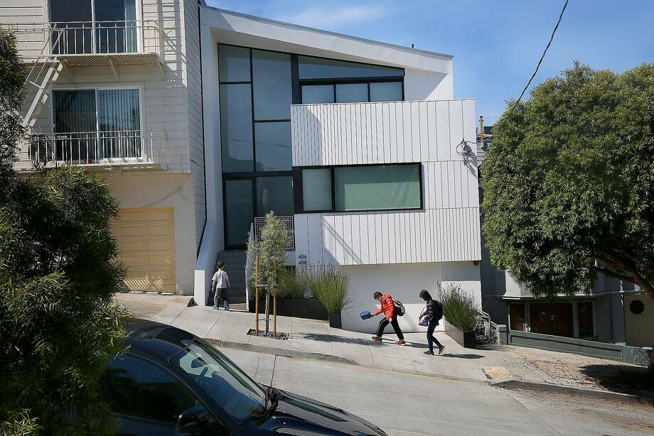 The home of architects Robert Edmonds and Vivian Lee in Noe Valley. Photo: Liz Hafalia, The Chronicle