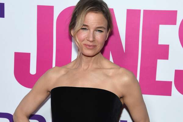 "NEW YORK, NY - SEPTEMBER 12:  Renee Zellweger attends the ""Bridget Jones Baby"" New York Premiere at Paris Theater on September 12, 2016 in New York City.  (Photo by Jamie McCarthy/Getty Images)"