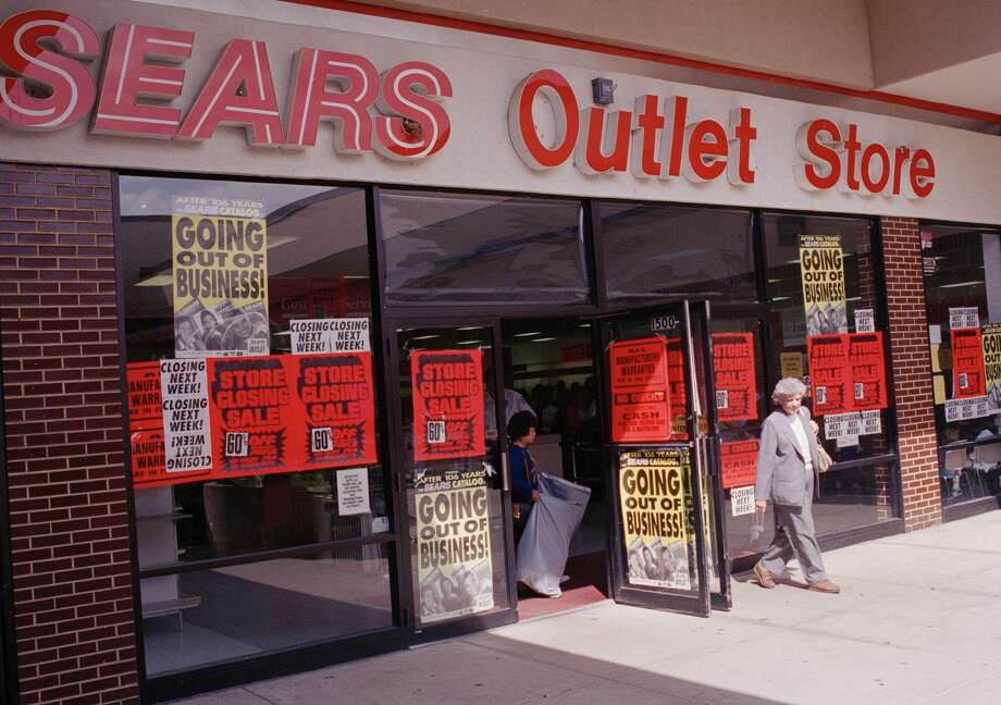 Sears outlet store dallas / Levitz bedroom furniture