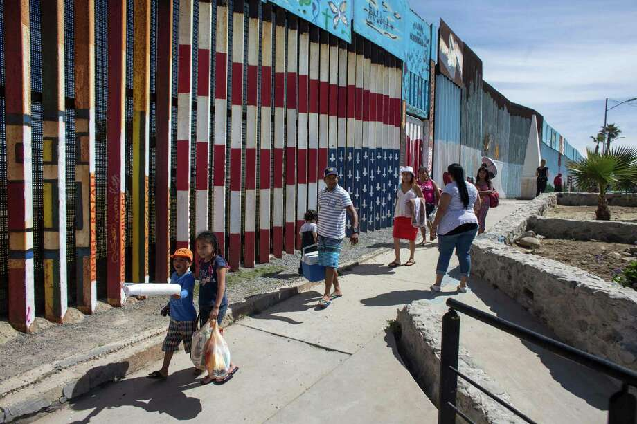 Fewer immigrants without status since 2009