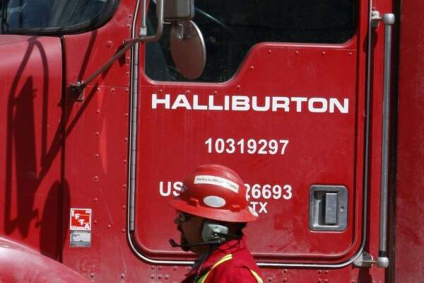 Halliburton's first quarter revenues rose by $81 million or 2 percent to $4.3 billion over the same period last year, helping hold losses to $32 million, or 4 cents per share, $2.4 billion better than the company posted in the first quarter last year.