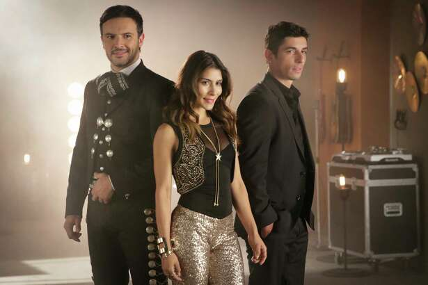 GuerradeIdolosis a musical novela that includes everything from regional Mexican to reggaeton.