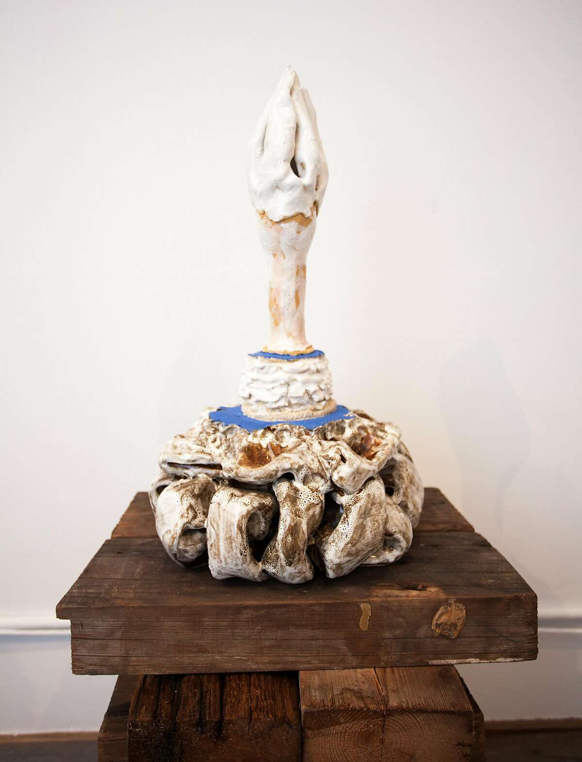 """Georgia Hodges, """"Torch"""" (2017), a�ceramic work on view at Great Highway Gallery"""