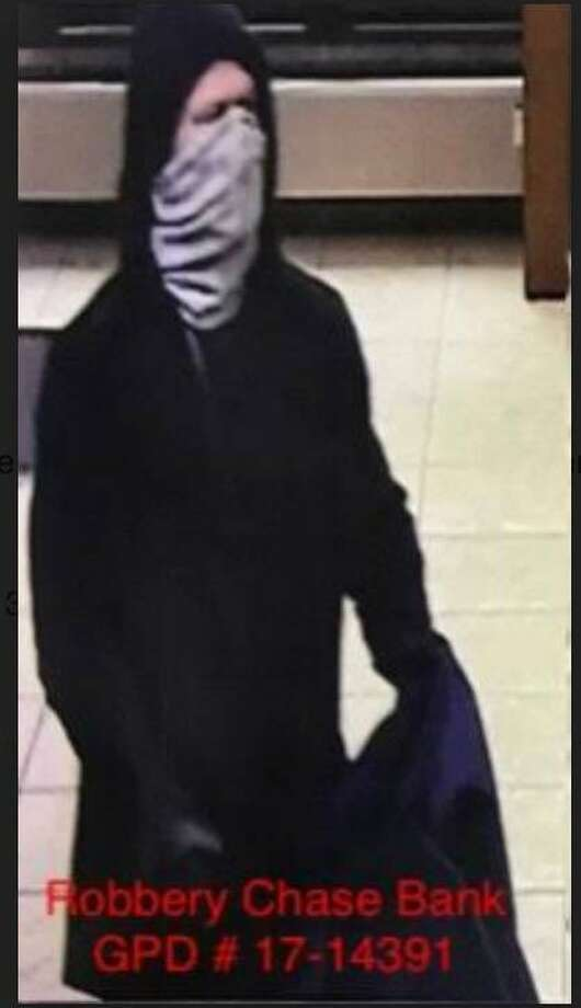 The suspect wanted in connection with a bank robbery in Riverside was described as a white male in his 30s, approximately 5′ 7″ tall, stocky build. Photo: / GPD
