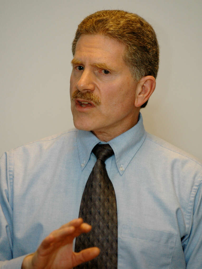 Times Union staff photo by John Carl D'Annibale: Robert J. Freeman,Executive Director NYS Committee on Open Government, speaking to Times Union staff members at the Times Union Thursday afternoon March 10, 2005.