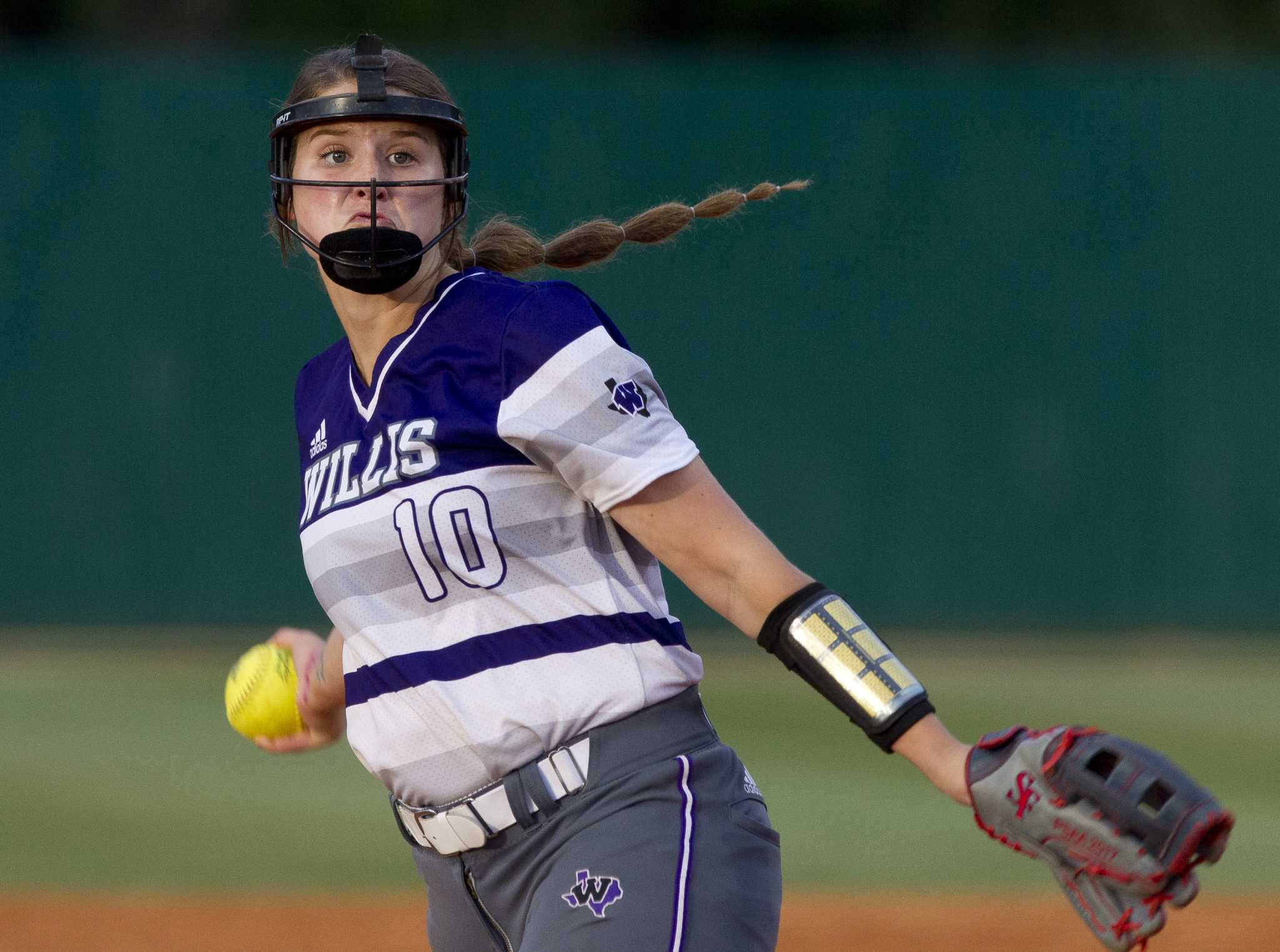 Softball Willis Rolls Past Magnolia West For No 1 Seed Houston Circuit Board Baseball Pitching Machine Hitting Machines Chronicle