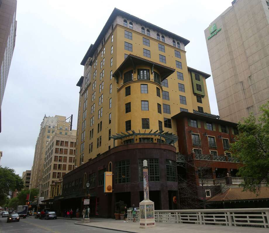 Woodbranch Investments of Houston has purchased the Hotel Valencia on the downtown River Walk for $14.25 million from local developer GrayStreet Partners. Photo: John Davenport /San Antonio Express-News / ©San Antonio Express-News/John Davenport