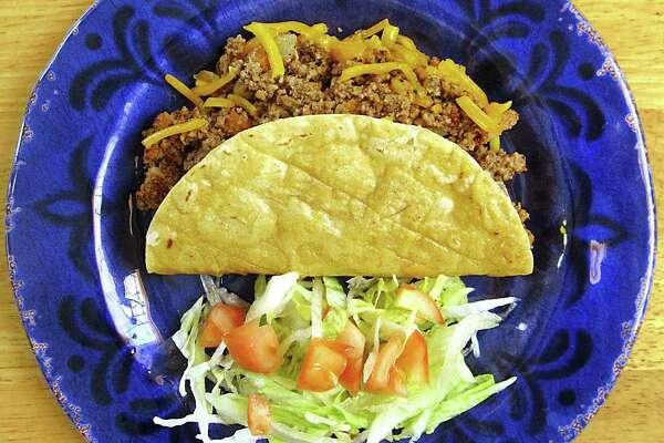 Crispy beef taco from Taquería El Alteño de Jalisco.