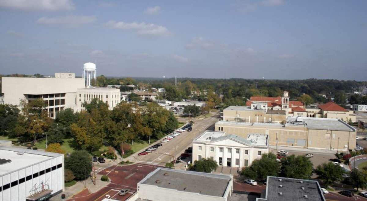 77) Longview, Texas Percent of people who have been divorced: 14 percent Number of divorcees: 11,496 Population: 82,112