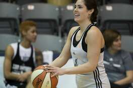 San Antonio Stars rookie Kelsey Plum practices 3-pointers during the Stars' first day of training camp, Sunday, April 23, 2017, in San Antonio. (Darren Abate/For the Express-News)