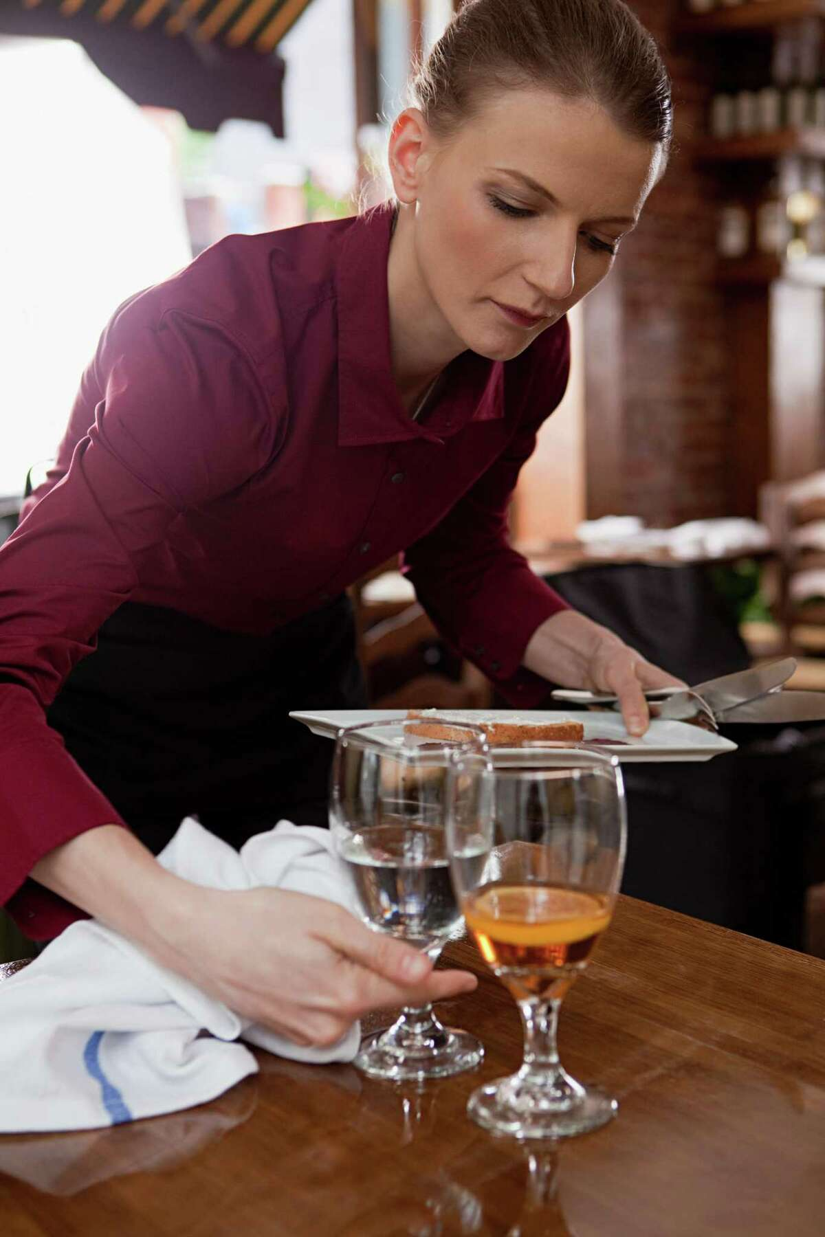 9 reasons why your S.A. server hates youYou sit at unclean tables. Customers should wait until their table has been completely bused before rushing to sit down.
