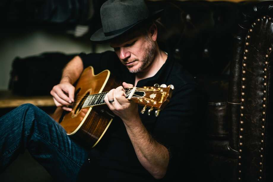 Singer-songwriter Jason Eady photo by Anthony Barlich