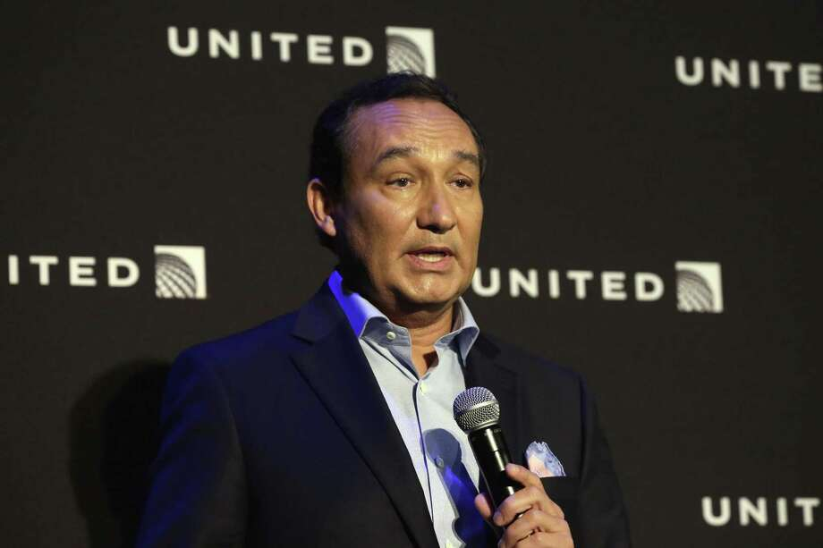 """United Airlines CEO Oscar Munoz, in an interview with the Associated Press, says, """"That first response was insensitive beyond belief. It did not represent how I felt. … I messed up, plain and simple."""" Photo: Associated Press File Photo / Copyright 2017 The Associated Press. All rights reserved."""