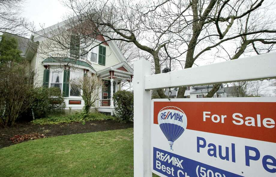 Freddie Mac said Thursday the average rate on 30-year fixed-rate home loans increased to 4.03 percent from 3.97 percent last week. Photo: Steven Senne /Associated Press / Copyright 2017 The Associated Press. All rights reserved.