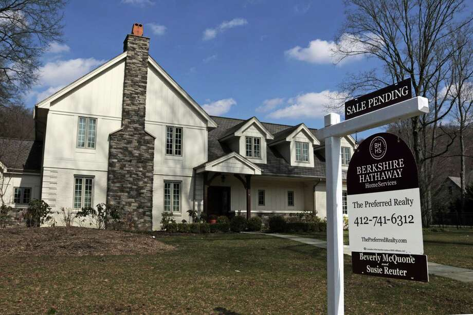 The National Association of Realtors said Thursday its pending home sales index slipped 0.8 percent to 111.4 in March, from 112.3 in February. Lawrence Yun, chief economist for the Realtors, said that even with the dearth of inventory, activity was still strong enough to be the third best in the past year. Photo: Gene J. Puskar /Associated Press / Copyright 2017 The Associated Press. All rights reserved.