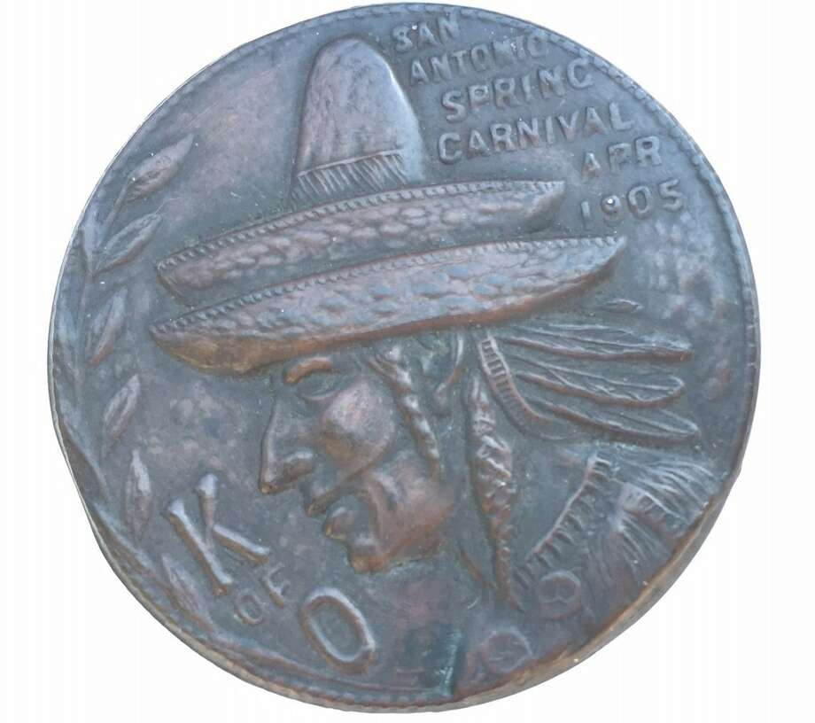The 112-year-old Knights of Omala medal is believed to be the first in Fiesta history. Photo: The Coppini Academy Of Fine Arts