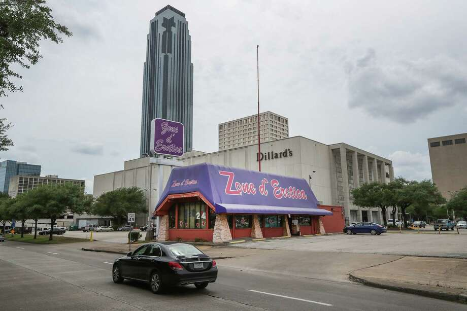 """Zone d' Erotica in front of the Galleria: Does this represent a kind of """"welcoming""""? Photo: Steve Gonzales, Houston Chronicle / © 2017 Houston Chronicle"""