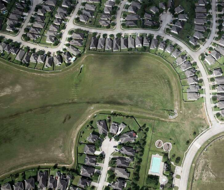 Subdivision northwest of Houston as seen from Co-Star's aerial research team plane on  Friday, April 14, 2017, in Katy. ( Elizabeth Conley / Houston Chronicle )