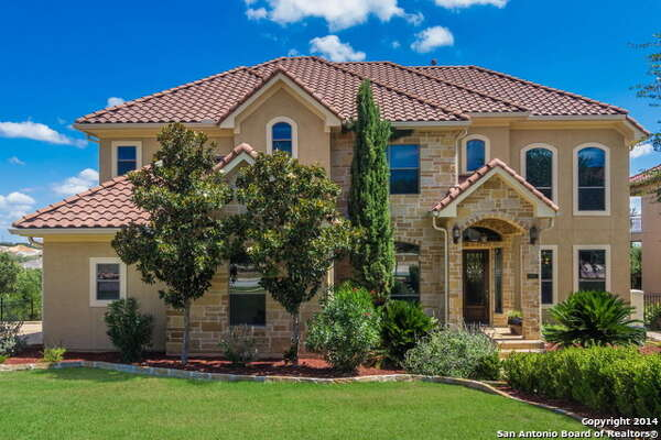 It is important for a home to have great curb appeal. A nice, manicured yard is a great start! Putting your house on the market? Let Keller Williams San Antonio help you.