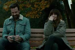 """Jason Sudeikis and Anne Hathaway co-star in Spanish filmmaker Nacho Vigalondo's """"Colossal."""" MUST CREDIT: Neon."""