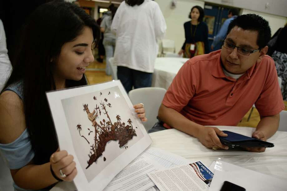 At a recent event in which she meet local candidates in the May 6 election, Stephani Llerena used art to explain her thoughts about what is needed in her city.