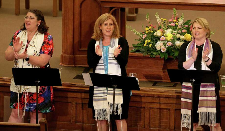 Rabbi Marina Yergin (from left), Senior Rabbi Mara Nathan, and Cantor Julie Berlin sing as they lead the Shabbat Worship Service in June 2016 at Temple Beth-El. Nathan was one of 200 spiritual leaders who signed a letter sent to Texas lawmakers urging equal treatment for all Texans. Photo: Edward A. Ornelas /San Antonio Express-News / © 2016 San Antonio Express-News
