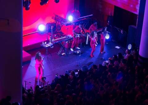 Solange celebrates blackness at colorful SFMOMA bash - SFGate