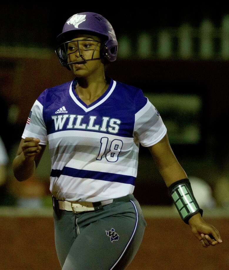 Samara Lagway #18 of Willis heads in to score after hitting a three-run homer off Huntsville reliver Taylor Pesillo gave the Ladykats a 14-4 win in five innings during a District 20-5A high school softball game Tuesday, April 4, 2017, in Willis. Photo: Jason Fochtman, Staff Photographer / © 2017 Houston Chronicle