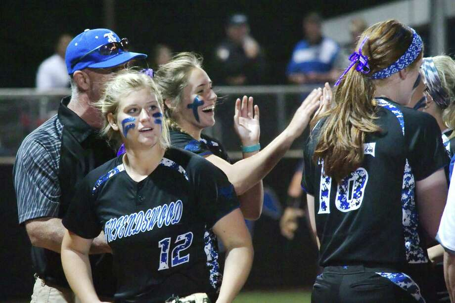 Friendswood's Haven Franks (8) shares high fives with a teammate after defeating Brazoswood Friday, Apr. 27 at Friendswood High School. Photo: Kirk Sides / © 2017 Kirk Sides / Houston Chronicle