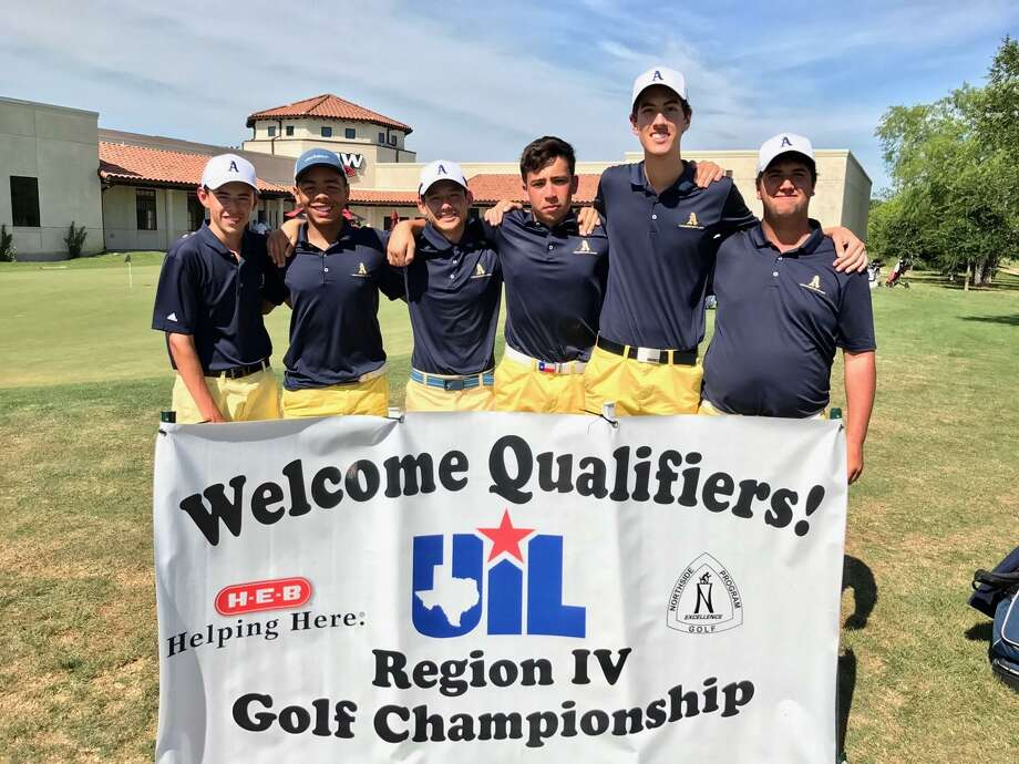 The Alexander golf team placed eighth at the regional tournament in San Antonio. Photo: Courtesy Photo