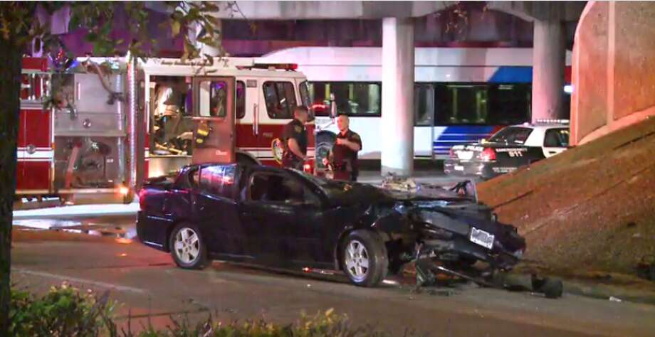 Police are investigating who is at fault for a crash Thursday night that left one woman dead. (Metro Video) Photo: Metro Video