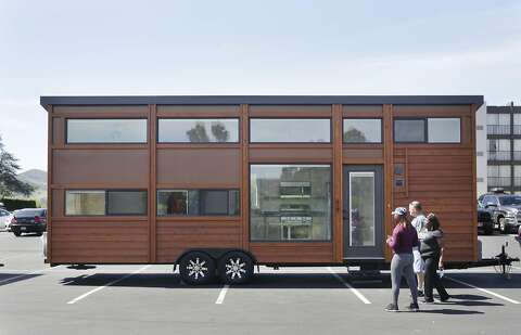 Couple explains how they turned a school bus into the