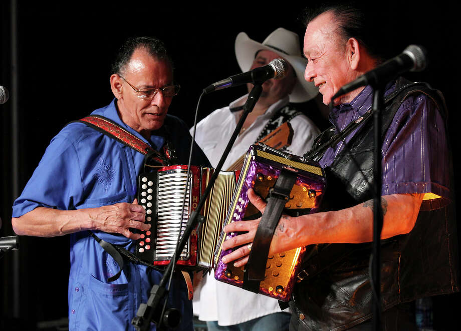 Accordion playing brothers Santiago Jiménez Jr., left, and Flaco Jiménez have taken different paths to musical success. Photo: EDWARD A. ORNELAS, STAFF / © SAN ANTONIO EXPRESS-NEWS (NFS)