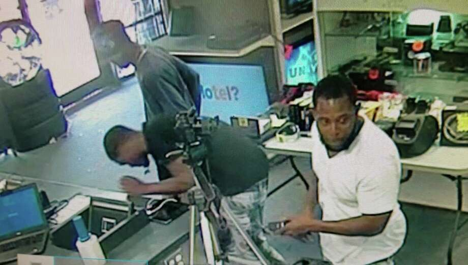 The three suspects pictured are wanted for burglary in Fort Bend County. Photo: Fort Bend County Sheriff's Office