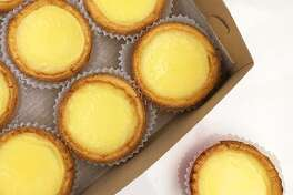 @ieatsf confirms that there are no egg tarts more yummy than the one's that Golden Gate Bakery in SF's Chinatown makes
