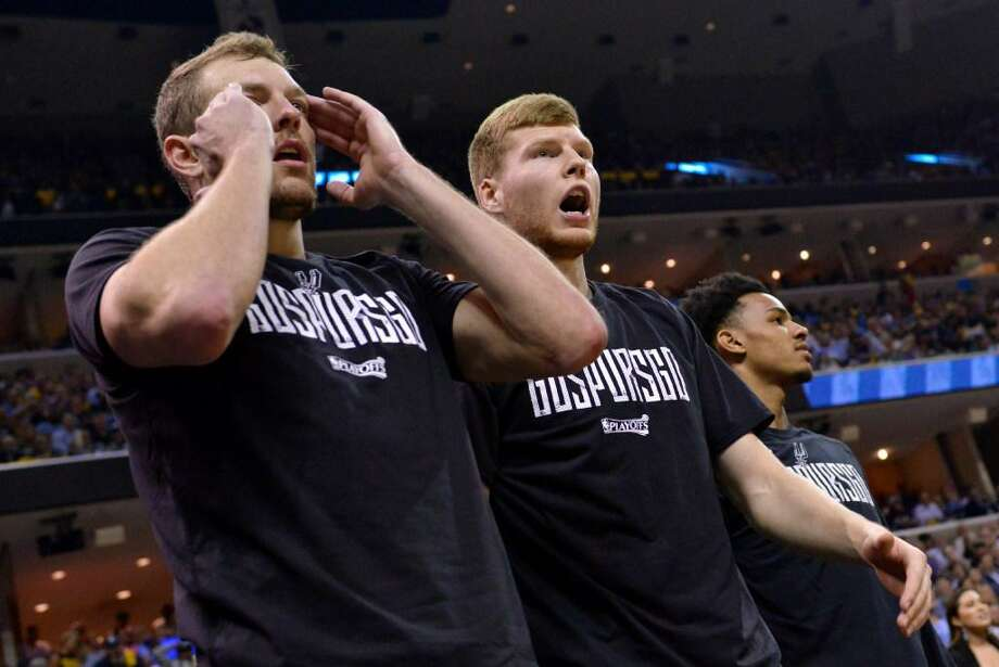 San Antonio Spurs forward David Lee, from left, forward Davis Bertans, and guard Dejounte Murray react from the sideline during the second half of Game 6 in an NBA basketball first-round playoff series against the Memphis Grizzlies Thursday, April 27, 2017, in Memphis, Tenn. Photo: Brandon Dill /Associated Press