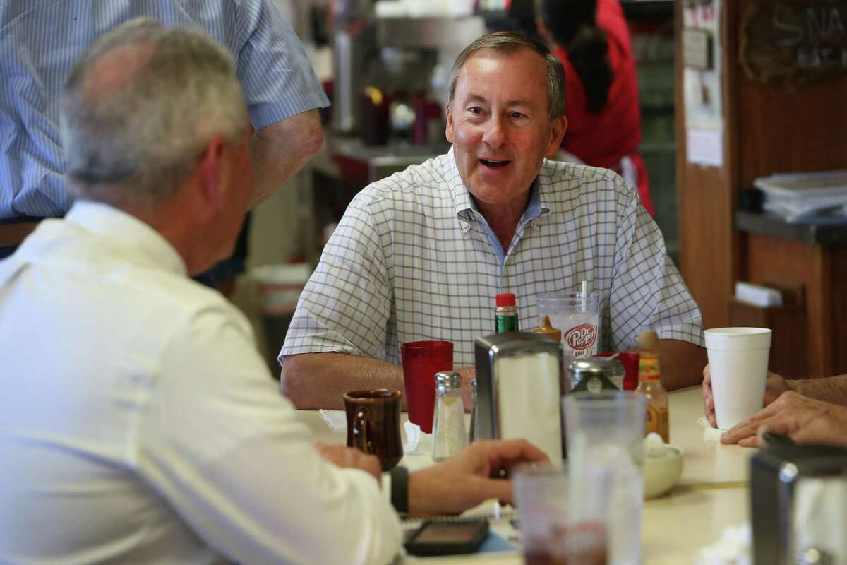 Charles Brawner, a mayoral candidate for the city of Katy, chats with with residents at Snappy's Cafe and Grill Thursday, April 27, 2017, in Katy. ( Steve Gonzales / Houston Chronicle )