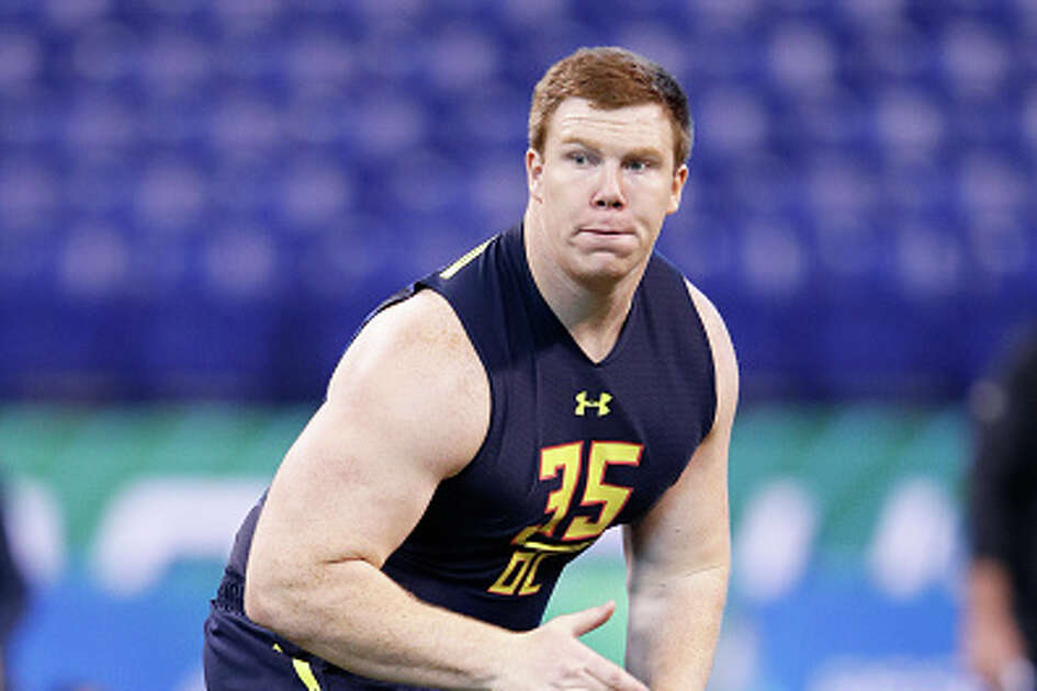 INDIANAPOLIS, IN - MARCH 03: Offensive lineman Ethan Pocic of LSU in action during the NFL Combine at Lucas Oil Stadium on March 3, 2017 in Indianapolis, Indiana. (Photo by Joe Robbins/Getty Images)