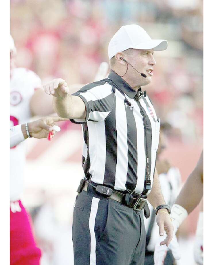 After playing Division I college baseball and high-level fastpitch softball, Jeff Servinski has worked his way up to Big Ten crew chief and has officiated several bowl games.