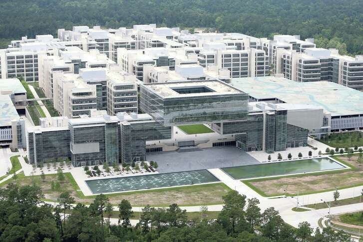 XTO Energy said some 1,200 workers will move to the Exxon Mobil campus near The Woodlands in mid-2018. Another 400 are expected to follow in mid-2020.